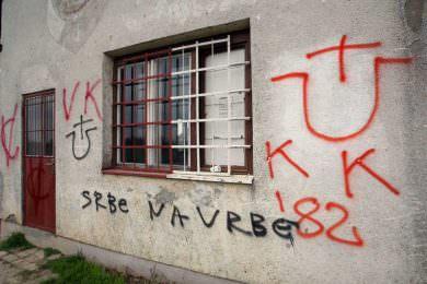 Линта: У Хрватској се могу видјети на десетине хиљада графита фашистичких и усташких симбола и порука