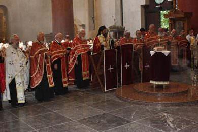 Служен парастос у цркви Светог Марка поводом Дана сјећања на страдање и прогoн Србa