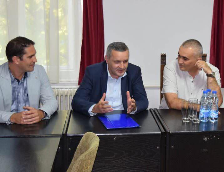 Одржан састанак у општини Нови Кнежевац на тему рјешавања проблема избјеглих лица