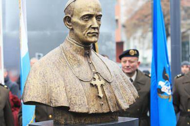 Линта: Подизање споменика Степинцу доказ да се Хрватска није суочила са нацифашистичком прошлошћу