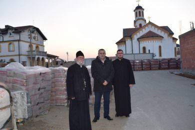 Савез Срба из региона донирао четири тоне цемента за изградњу вртића у Бусијама