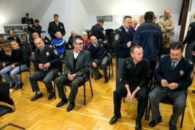 Линта позива министарку правде Нелу Кубуровић да упути допис хрватском министру правосуђа Анти Шпрљи у коме ће затражити да се десеторици невино осуђених Срба из Трпиње преиспита пресуда и омогући право на праведно и поштено суђење