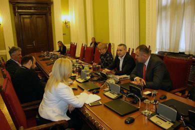 ЛИНТА ПРИМИО ДЕЛЕГАЦИЈУ ХЕРЦЕГОВАЦА: Србима у Мостару неопходна је помоћ матице!