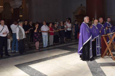 У цркви Светог Марка одржан парастос за Србе убијене на Миљевачкoм платоу