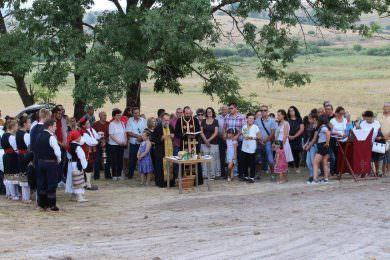 У Мутилићу, надомак Удбине, обиљежена сеоска и слава Храма Преображења Господњег