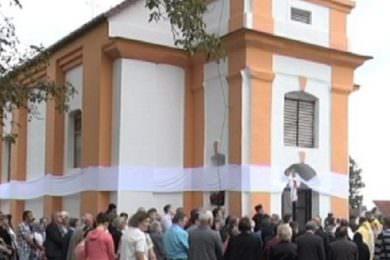 Обновљена црква Свете Тројице у Миклеушу код Слатине
