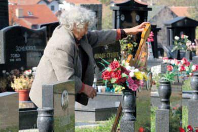 Линта: Скандалозна одлука бошњачке власти у Сарајеву да прекопавају гробове мртвих Србa