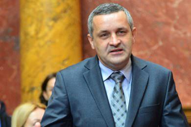 Линта: Срамна али очекивана изјава Зорана Милановића да се у Србији води чаршијска политика дуже од 100 година
