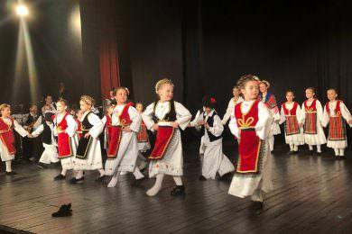 """У Новој Пазови одржан годишњи концерт КУД """"Ћирило и Методије"""" из Бусија"""