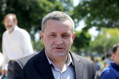 Линта апелује на МСП и Комесаријат да коначно уруче кључеве за 235 избјегличких породица који су добили станове у насељу Овча
