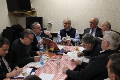 Миодраг Линта и Радован Грајић разговарали са представницима завичајних и избјегличких удружења у Бања Луци на тему регистрације некретнина у Федерацији БиХ