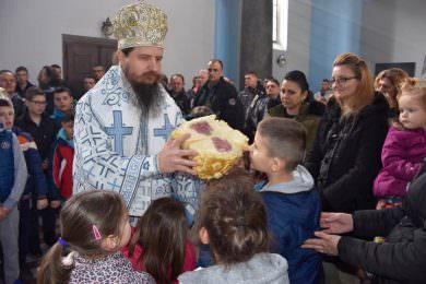 Епископ Сергије на литургији у Светосавском храму у Дрвару