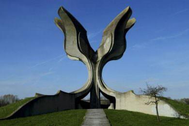 Линта: Комеморација јасеновачким жртвама у три колоне показује да Влада Хрватске није спремна да се обрачуна са усташтвом