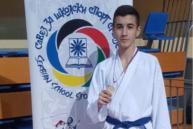 Перспективни каратиста поријеклом са Кордуна Марко Михајловић стигао до Свјетског првенства
