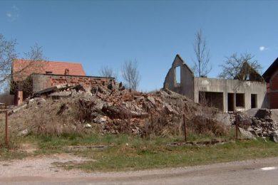 Линта: Скандалозна одлука Града Госпића да протјерани Срби плате рушење и уклањање својих уништених кућа
