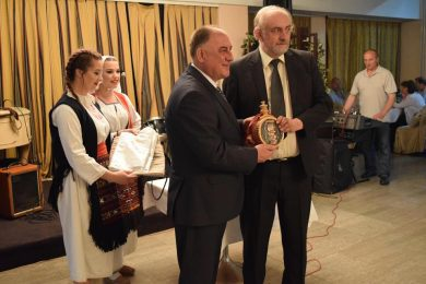 Разговор са представницима локалних самоуправа са подручја Козаре и Поткозарја који су били присутни на 42. Сусрету Козарчана у Београду
