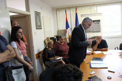 На приједлог Линте одржан састанак у Комесаријату за избјеглице јер 302 избјегличке породице нису добиле грађевински материјал