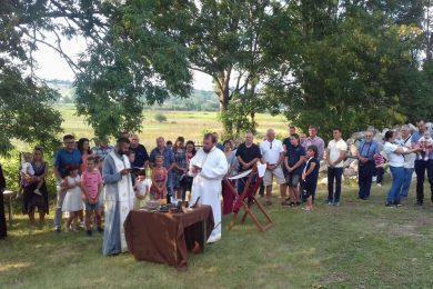 У Мутилићу, општина Удбина, обиљежена сеоска и слава храма Преображења Господњег