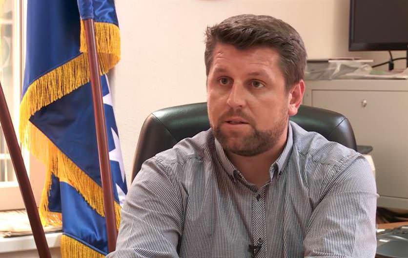 F - Camil Durakovic
