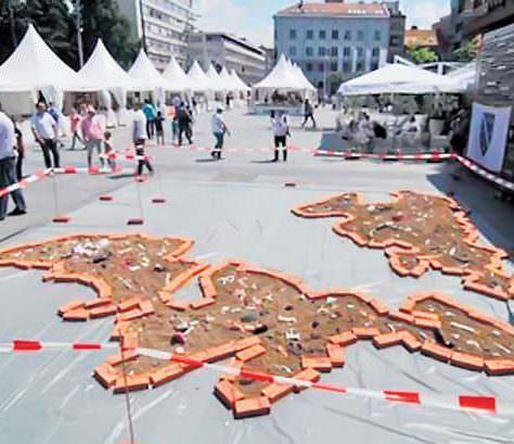 F - Srpska kao grobnica