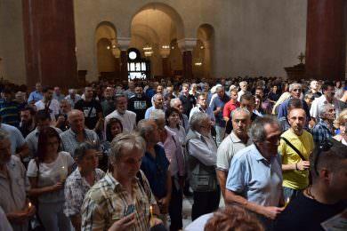 У Цркви Светог Марка служен парастос поводом Дана сјећања на страдале и прогнане Србе