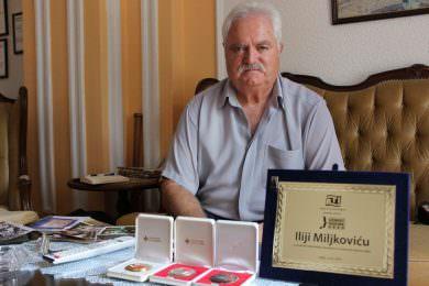 Илија Миљковић, добитник плакете за личност године за рекордно добровољно давање крви на територији општине Инђија