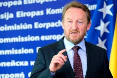 Линта: Непријатељска али очекивана изјава Бакира Изетбеговића да ће БиХ да призна Косово