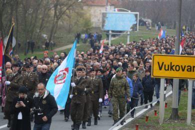 """Линта:  Узвикивање """"За дом спремни"""" током шетње у Вуковару потврђује да је усташтво темељ хрватске државе"""