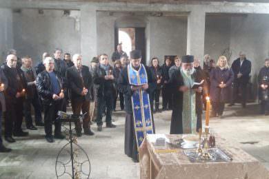 У цркви Светог Георгија у Слатинском Дреновцу служен парастос поводом сјећања на трагедију и погибељ Срба западне Славоније и Билогоре 1991. године