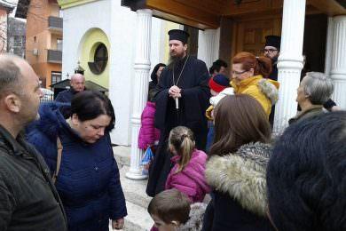 Завичајно удружење Сањана – Грмеч из Бања Луке подијелило 197 пакетића за српску дјецу на подручју санске општине
