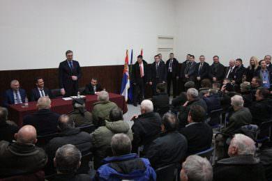 Предсједник Вучић разговарао са Србима у Вргинмосту