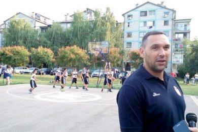У Апатину ствара нове шампионе | Легендарни лички кошаркаш своје богато искуство преноси кошаркашима Дунава