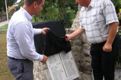 У селу Чатрња код Крњака обновљен споменик страдалим Србима у НДХ