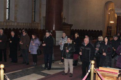 У Београду служен парастос убијеним Србима у Равним Котарима и на Мали Алан у злочиначкој акцији Масленица