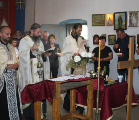 Гораждевац-служен парастос убијеним српским младићима Фото; СРНА